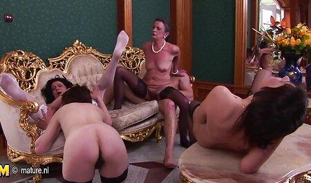 Mảnh mai, phụ nữ, đồ chơi phimsec nguoi va thu lớn trong phòng ngủ
