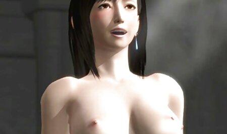 Một cô gái với một hình xăm là một dương vật vào trong phim secthu âm đạo