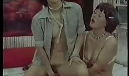 Người phụ nữ trong một bộ đồ siêu nhân sự háo hức anh trai cô phim sec ngua dit nguoi gái với một dương vật,