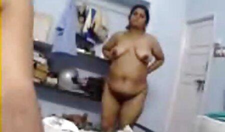 Châu á không cất cánh nhỏ của cô bikini trong quan hệ sec nguoi va vat tình dục