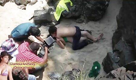 Đẹp phụ nữ da đen ném chân sau đầu trong quan sec nguoi va vat hệ tình dục