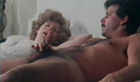 Trưởng thành ngôi sao phim bạo lực tình dục với một người đàn ông trẻ ở phimsec nguoi va thu nhà